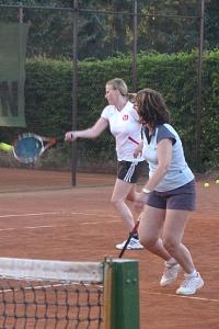 Tennis 2016 - D30 PS5 - Jutta und Marion nach vorne