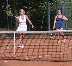 Tennis 2016 - D30 PS6 - Doppel Viorica und Siobhan