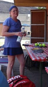 Tennis 2016 - D30 PS6 - Petra beim Päuschen
