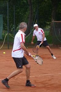 Tennis 2016 - H50 PS5 - Henning und Roland durch die Mitte